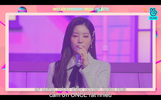 Tròn 5 năm debut, TWICE mở buổi live đặc biệt: Jeongyeon vắng mặt, các thành viên không ngại spoil ca khúc mới khiến fan sướng rơn - Ảnh 85.