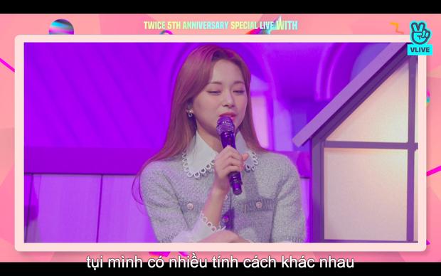 Tròn 5 năm debut, TWICE mở buổi live đặc biệt: Jeongyeon vắng mặt, các thành viên không ngại spoil ca khúc mới khiến fan sướng rơn - Ảnh 88.