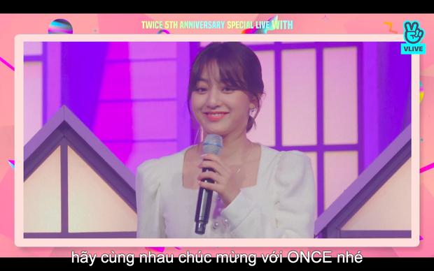 Tròn 5 năm debut, TWICE mở buổi live đặc biệt: Jeongyeon vắng mặt, các thành viên không ngại spoil ca khúc mới khiến fan sướng rơn - Ảnh 90.