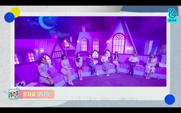 Tròn 5 năm debut, TWICE mở buổi live đặc biệt: Jeongyeon vắng mặt, các thành viên không ngại spoil ca khúc mới khiến fan sướng rơn - Ảnh 115.