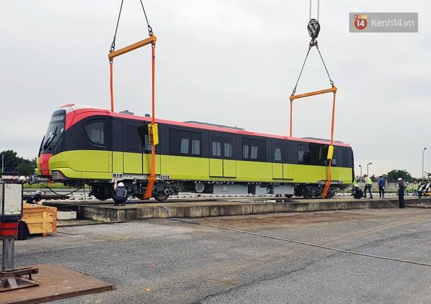 Đoàn tàu metro Nhổn - ga Hà Nội đã về đến Hà Nội, người dân sẽ được tham quan - Ảnh 10.