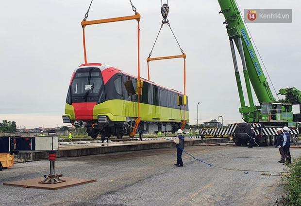 Đoàn tàu metro Nhổn - ga Hà Nội đã về đến Hà Nội, người dân sẽ được tham quan - Ảnh 12.