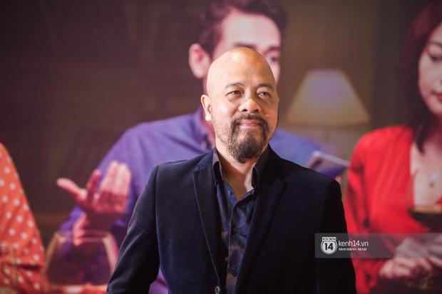 Kaity Nguyễn diện cây đen nền nã, dính như sam với tình màn ảnh Kiều Minh Tuấn ở thảm đỏ Tiệc Trăng Máu - Ảnh 13.