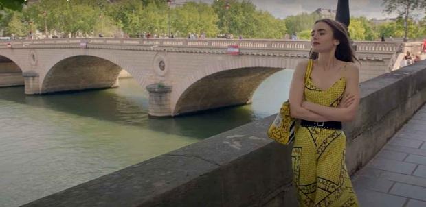 Hời hợt một cách thông minh như Emily In Paris để trai theo ầm ầm, đời dễ như ăn kẹo - Ảnh 5.
