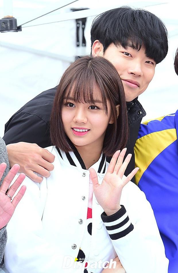 Cặp đôi Reply 1988 tái ngộ, netizen đào lại khoảnh khắc Hyeri tình tứ với Park Bo Gum trước mặt bạn trai xịn Ryu Jun Yeol - Ảnh 7.