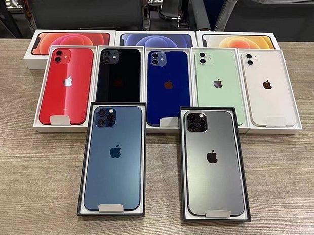 iPhone 12 màu xanh blue hứng gạch đá, đứng đầu bảng tìm kiếm trên Weibo - Ảnh 6.