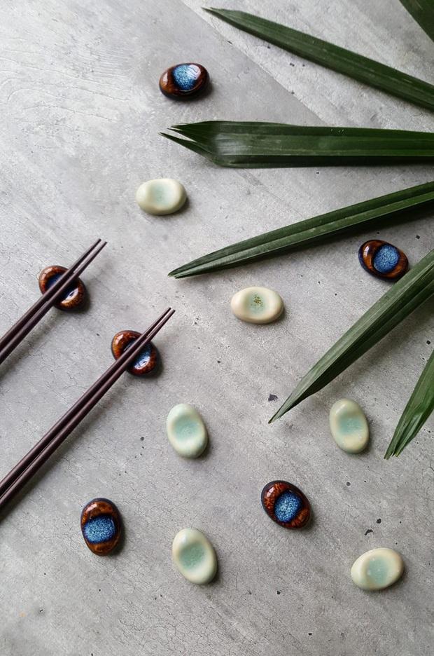 Học người Nhật tô điểm cho bàn ăn xinh xẻo với đồ gác đũa xinh xỉu thấy mà cưng - Ảnh 11.