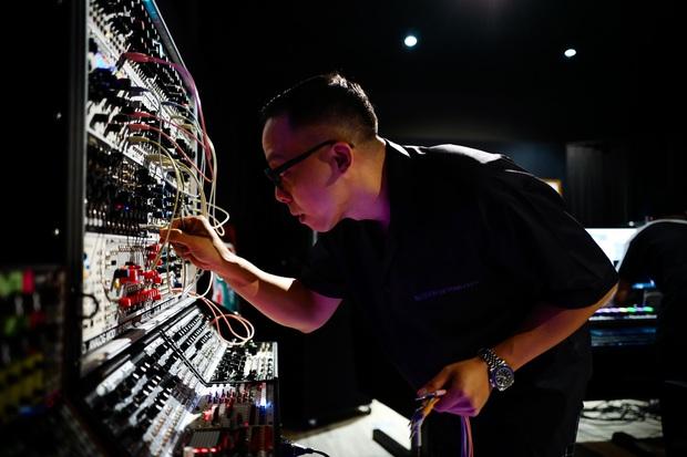 Rhymastic tiết lộ vai trò khác tại Rap Việt, ngoài Touliver và Slim V còn có 2 thành viên SpaceSpeakers cũng tham gia làm beat - Ảnh 4.