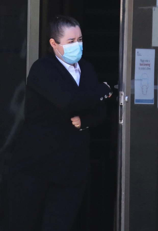 Lạm dụng tình dục đàn gà nuôi trong nhà, người đàn ông nhận án 3 năm tù - Ảnh 2.