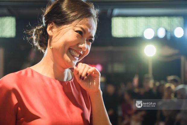 Kaity Nguyễn diện cây đen nền nã, dính như sam với tình màn ảnh Kiều Minh Tuấn ở thảm đỏ Tiệc Trăng Máu - Ảnh 5.