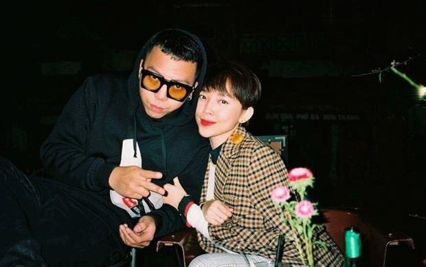 Tóc Tiên hờn dỗi khi Touliver bận làm nhạc cho Rap Việt mà không đi xem phim cùng - Ảnh 2.