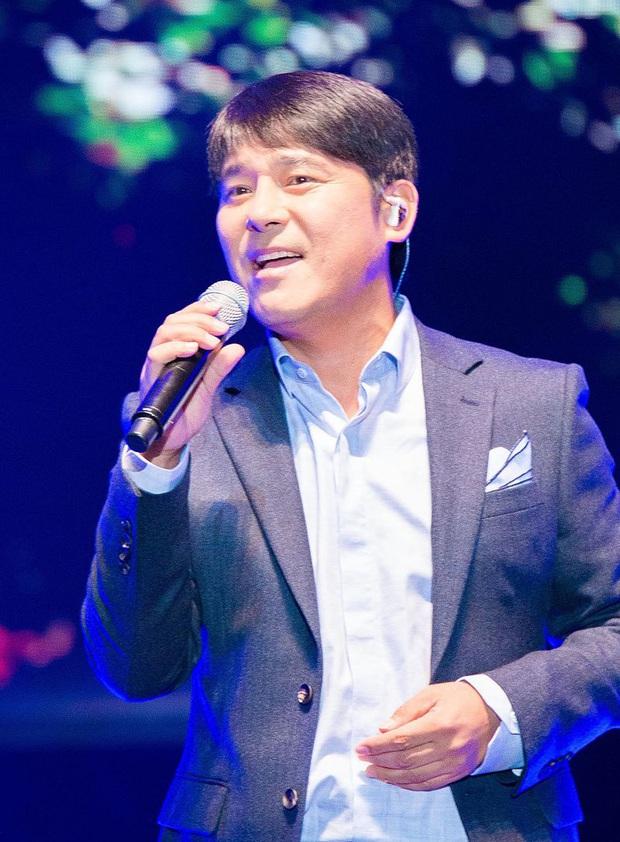 Hari Won thi chụp ảnh cùng thần tượng thắng luôn album có chữ ký, phấn khích đến mức rớt luôn liêm sỉ - Ảnh 8.