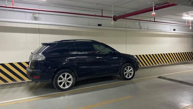 Ô tô Fadil và xe Lexus rượt đuổi, chèn nhau như phim hành động trên đường phố Hà Nội - Ảnh 2.