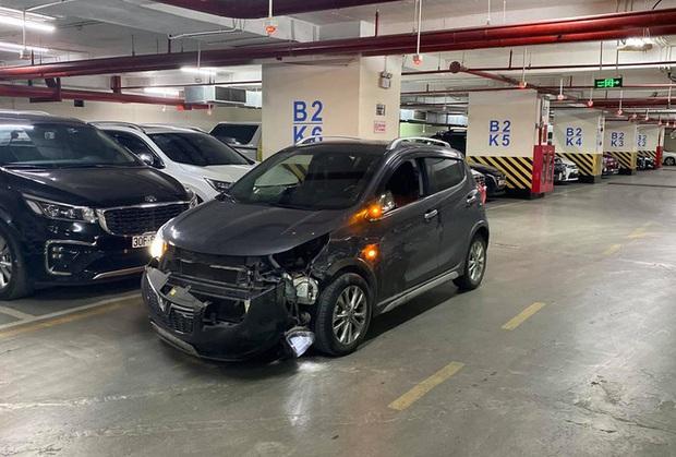 Ô tô Fadil và xe Lexus rượt đuổi, chèn nhau như phim hành động trên đường phố Hà Nội - Ảnh 1.