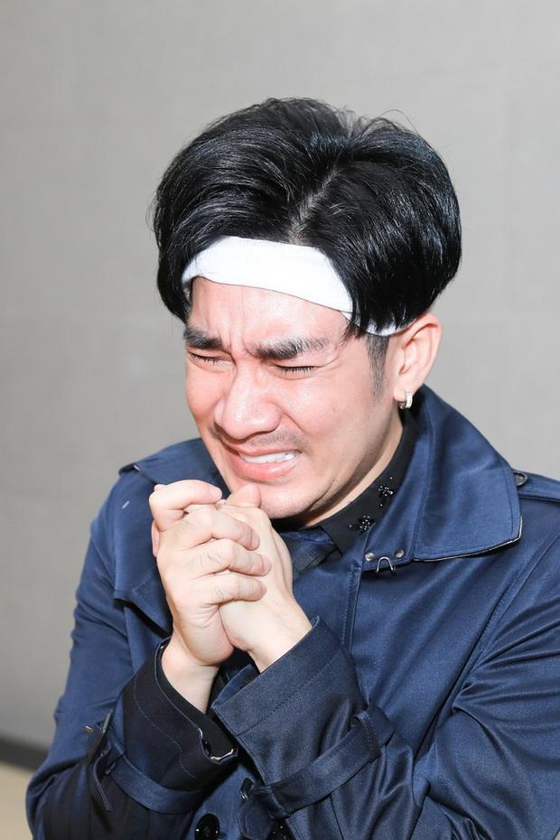 Quang Hà khóc nức nở trong tang lễ anh trai ruột, Lệ Quyên cùng nhiều nghệ sĩ xót thương - Ảnh 2.