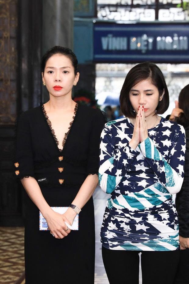 Quang Hà khóc nức nở trong tang lễ anh trai ruột, Lệ Quyên cùng nhiều nghệ sĩ xót thương - Ảnh 6.