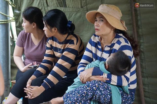 Nước mắt người vợ chiến sĩ hy sinh ở Sư đoàn 337: Giờ anh mất, muốn đưa thi thể về nhà cũng không được vì quê Quảng Bình vẫn còn ngập lụt - Ảnh 6.
