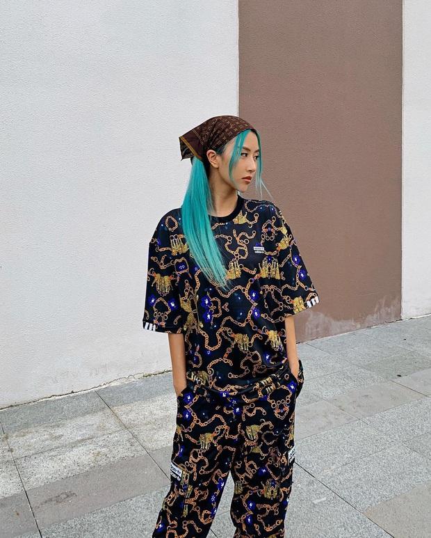 Instagram look của sao Việt tuần qua: Ngọc Trinh diện quần táo bạo trông như lộ nội y, Amee ngày càng chất - Ảnh 3.