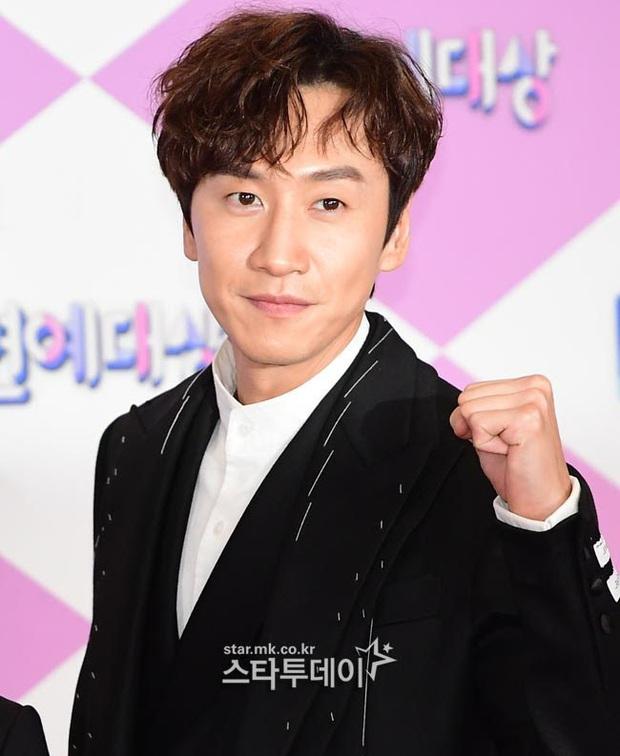 Lee Kwang Soo chọn ra thành viên BLACKPINK xinh đẹp nhất: Bất ngờ không phải Hoa hậu Jisoo, phản ứng của Jennie gây bão - Ảnh 6.