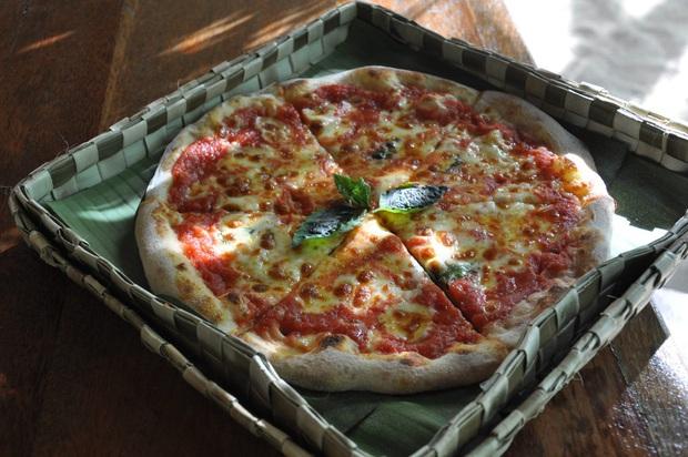 Chiếc hộp pizza lạ đời nhưng hàm chứa rất nhiều ý nghĩa nhân văn được mọi người đồng loạt ủng hộ - Ảnh 2.