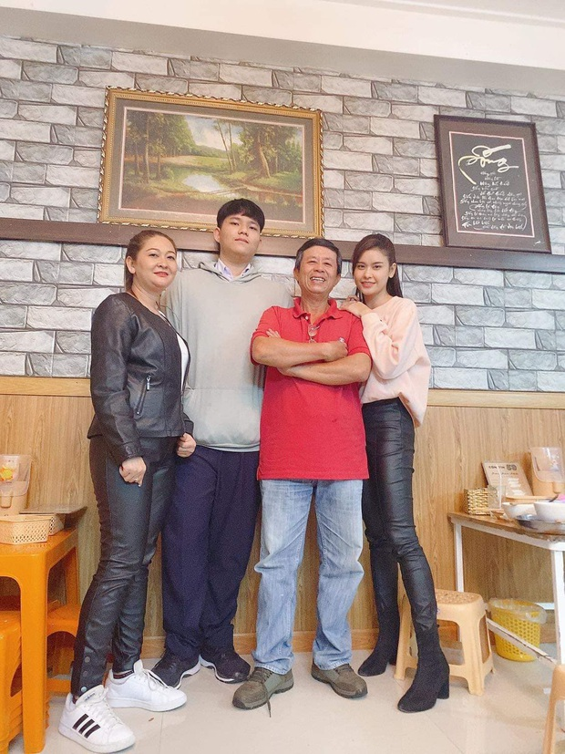 """Hậu """"chiến tranh lạnh"""" vì kết hôn với Tim, Trương Quỳnh Anh đăng khoảnh khắc chứng minh quan hệ với bố mẹ - Ảnh 3."""