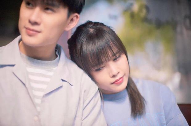 Lại phát hiện Thiều Bảo Trâm mượn áo cũ của Sơn Tùng để mặc trong MV mới, đến nam chính cũng do người thương mai mối? - Ảnh 9.