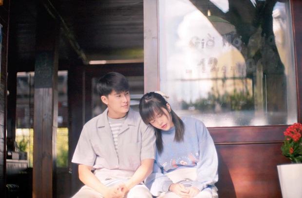 Lại phát hiện Thiều Bảo Trâm mượn áo cũ của Sơn Tùng để mặc trong MV mới, đến nam chính cũng do người thương mai mối? - Ảnh 8.