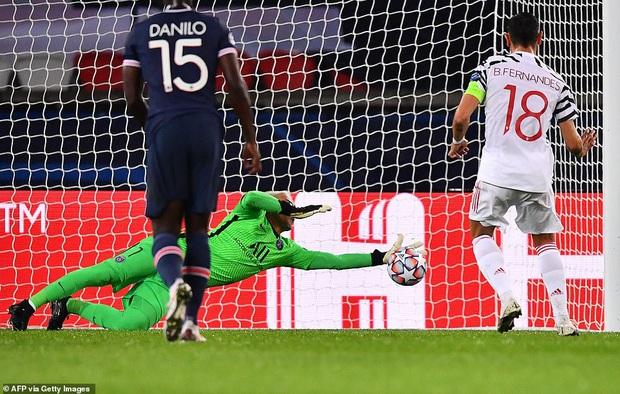 Nợ nần chồng chất: Đương kim á quân PSG lại thất thủ ngay trên sân nhà trước MU ở Champions League - Ảnh 3.