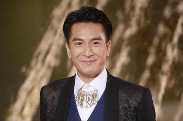 Cô gái khoe bố thời trẻ đẹp như diễn viên TVB, đứng chờ tàu cũng được hỏi muốn làm idol không? - Ảnh 2.