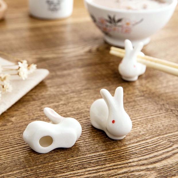 Học người Nhật tô điểm cho bàn ăn xinh xẻo với đồ gác đũa xinh xỉu thấy mà cưng - Ảnh 19.