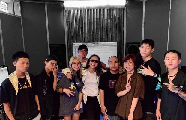 Biết gì chưa: Team Suboi không sử dụng beat của SpaceSpeakers tại vòng Bứt phá, Tlinh nhờ bạn cũ làm producer bài Chung kết - Ảnh 1.
