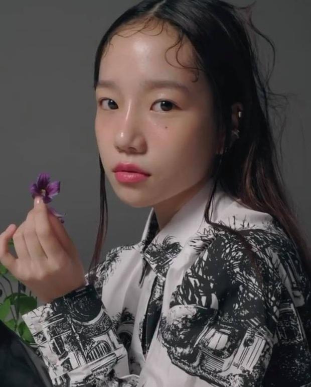 Netizen sốc nặng vì ảnh tạp chí thảm họa nhất Kpop: Dìm cả girlgroup xinh xắn, thánh body Wonyoung chưa phải khổ nhất - Ảnh 9.