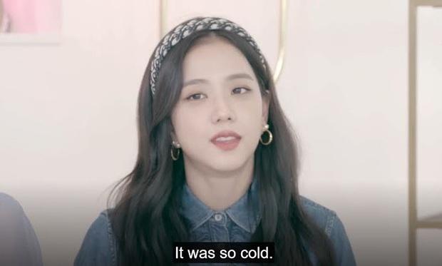 Vì chủ quan mà Jisoo (BLACKPINK) phải chịu lạnh cứng người để đổi lấy cảnh quay đắt giá trong MV Lovesick Girls - Ảnh 5.