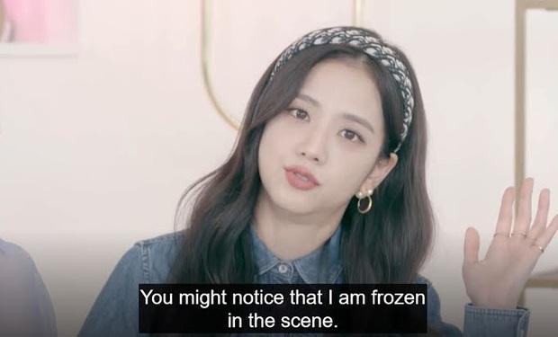 Vì chủ quan mà Jisoo (BLACKPINK) phải chịu lạnh cứng người để đổi lấy cảnh quay đắt giá trong MV Lovesick Girls - Ảnh 6.