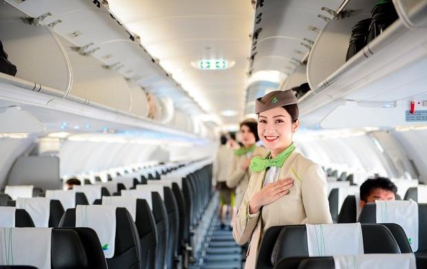 Các hãng hàng không Việt Nam đồng loạt hướng về miền Trung: Miễn phí vận chuyển hàng hoá cứu trợ, đổi ngày bay cho hành khách bị ảnh hưởng - Ảnh 6.
