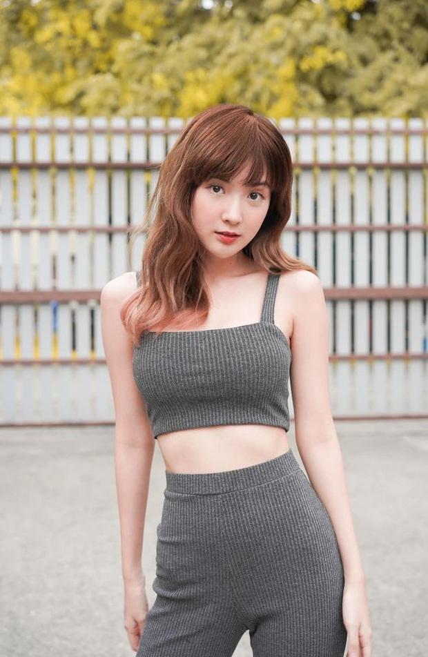 Ngắm vẻ đẹp tựa thiên thần của nữ streamer Thái, nhưng điều gây sốt lại là body quá nóng bỏng khi diện bikini - Ảnh 1.