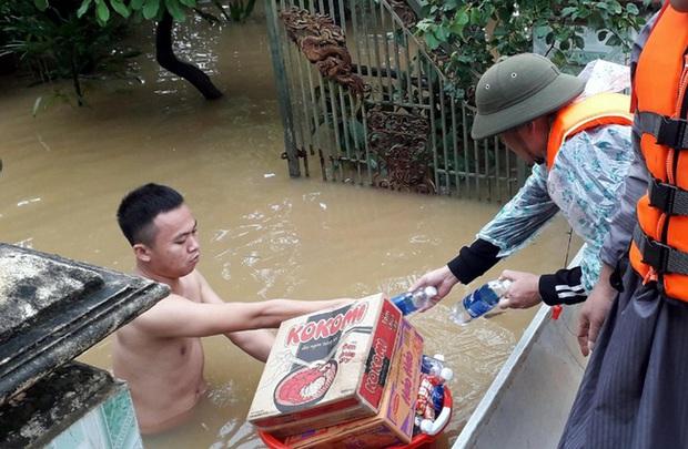 Tỉnh Quảng Bình gửi khuyến cáo tới các tổ chức, cá nhân từ thiện vào vùng lũ - Ảnh 1.
