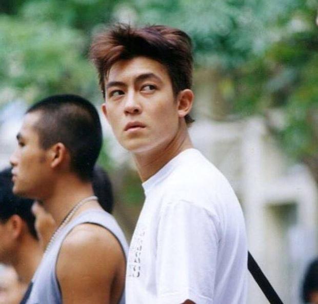 Fan cuồng đáng sợ của Trần Quán Hy: Có cả tiền lẫn quyền, lợi dụng các mối quan hệ chèn ép cả 1 thế hệ học sinh - Ảnh 3.