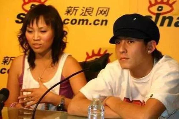 Fan cuồng đáng sợ của Trần Quán Hy: Có cả tiền lẫn quyền, lợi dụng các mối quan hệ chèn ép cả 1 thế hệ học sinh - Ảnh 4.