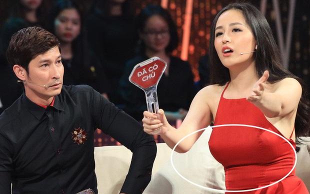 Sao Việt và những pha lộ nguyên hình trên sóng truyền hình: Người ngấn mỡ bụng, người lộ mỡ lưng bèo nhèo - Ảnh 3.