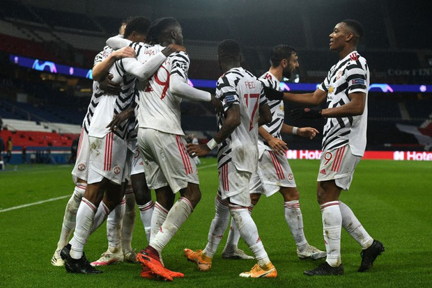 Nợ nần chồng chất: Đương kim á quân PSG lại thất thủ ngay trên sân nhà trước MU ở Champions League - Ảnh 10.