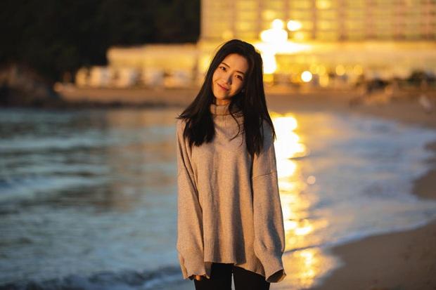 Soi nhan sắc đẹp hoàn hảo từ mặt cho tới body của những nữ BLV nổi tiếng nhất làng LMHT Trung Quốc - Ảnh 13.