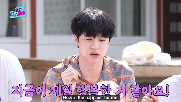 Nhìn mà lo giùm: Nam idol vừa ăn no đã lộn nhào giữa sân khiến ai nấy đều sợ đồ ăn sẽ... trào ngược ra ngoài - Ảnh 5.