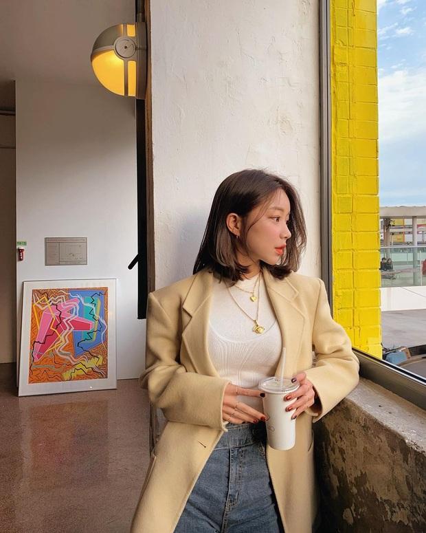 Sắm áo màu be, style của bạn chỉ có thanh lịch như gái Pháp hoặc sang xịn như gái Hàn trở lên - Ảnh 1.