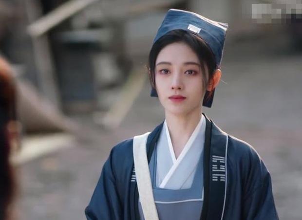 Phim mới vừa lên sóng, Cúc Tịnh Y đã dính nghi án copy - paster tạo hình chính mình từ loạt dự án trước - Ảnh 4.