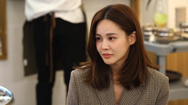 Sao nữ bị bạn trai cũ đâm sau lưng: Á hậu lột xác sau khi khổ sở làm dâu gia tộc Samsung, Goo Hara uất hận tự tử - Ảnh 2.