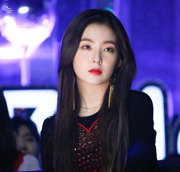 Ai ngờ Irene (Red Velvet) có cả liên hoàn phốt: Bị tố lườm cháy mặt, cướp chỗ Wendy đến lười nhảy, làm Leeteuk (Suju) bị vạ lây - Ảnh 2.