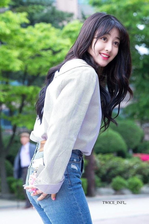 8 đôi mắt to tròn đẹp nhất Kpop: Lisa (BLACKPINK) có đặc điểm cực hiếm, búp bê sống nhà JYP nổi như cồn nhờ cửa sổ tâm hồn - Ảnh 11.