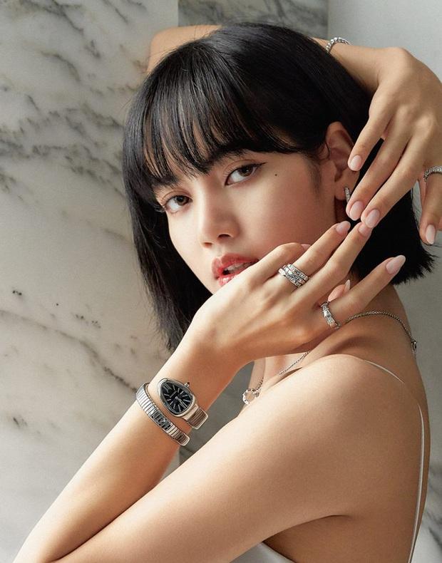 8 đôi mắt to tròn đẹp nhất Kpop: Lisa (BLACKPINK) có đặc điểm cực hiếm, búp bê sống nhà JYP nổi như cồn nhờ cửa sổ tâm hồn - Ảnh 3.
