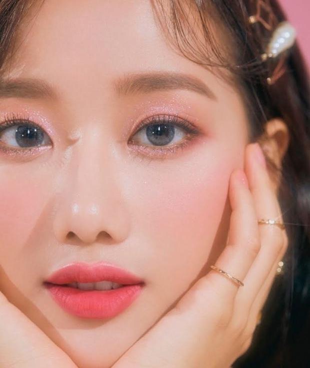 8 đôi mắt to tròn đẹp nhất Kpop: Lisa (BLACKPINK) có đặc điểm cực hiếm, búp bê sống nhà JYP nổi như cồn nhờ cửa sổ tâm hồn - Ảnh 21.